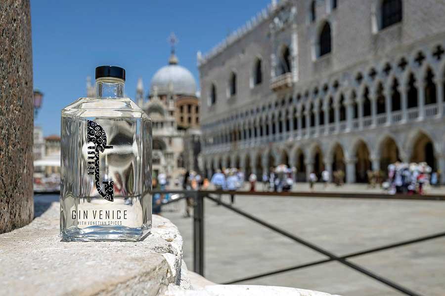 Gin Venice - Gin artigianale in una bottiglia da collezione - Gin con Murrina